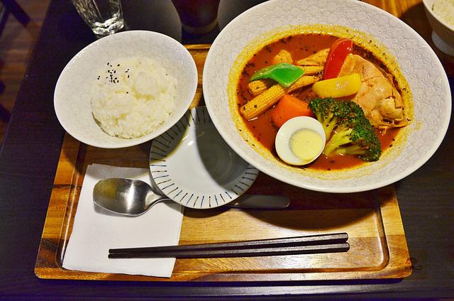 1054639760 l - 【台中西區】心湯咖哩~來自日本北海道名店的咖哩料理,料多且咖哩味香,推薦雞肉和海鮮口味