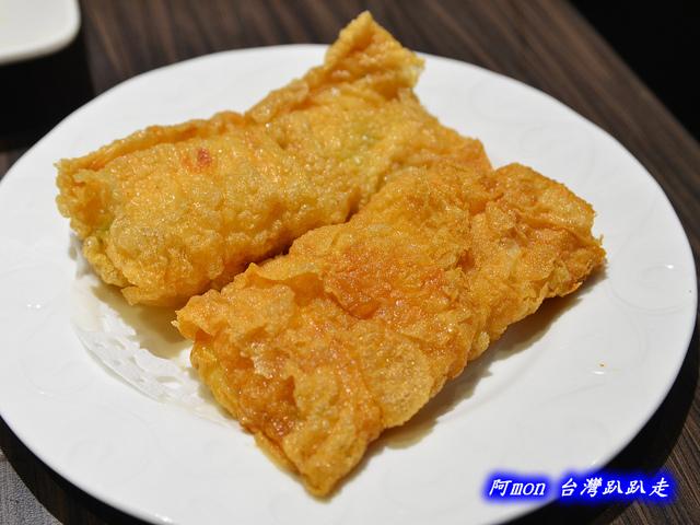 1025992652 l - 【台中西區】哄供茶餐廳~餐點種類多的港式料理,特價時吃最好