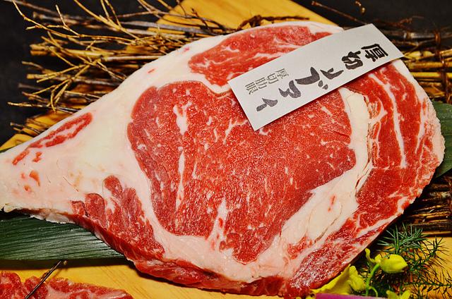 1150615815 l - 【熱血採訪】牧島燒肉~台中知名燒肉名店全新菜單新登場,平價消費享用高檔美食,大推嫩口多汁的厚切肋眼牛排
