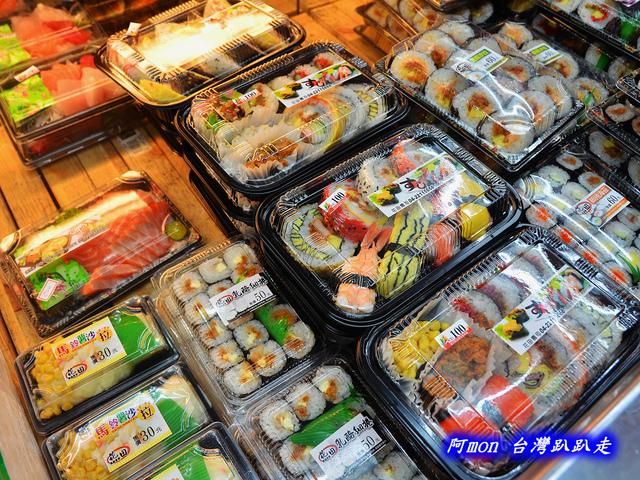1031258517 l - 【台中太平】花田壽司~市場內便宜又好吃的熱門壽司店,生魚片、握壽司、炙壽司都很讚