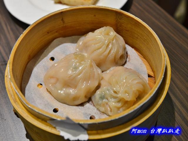 1025992658 l - 【台中西區】哄供茶餐廳~餐點種類多的港式料理,特價時吃最好