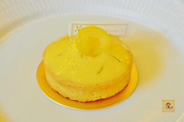 1045804999 l - 【台中西區】檸檬洋菓子~小巷中的平價甜點蛋糕店,檸檬塔清爽又好吃,百元有找喔