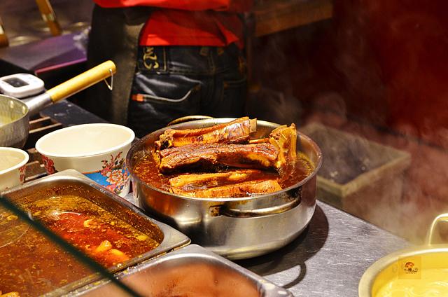 1127656772 l - 【台中西區】赤鳥深夜炙燒拉麵~每日限量超誘人炙燒肋排韓式拉麵必吃,肋排嫩口且入味,焦糖玉子燒也大推,