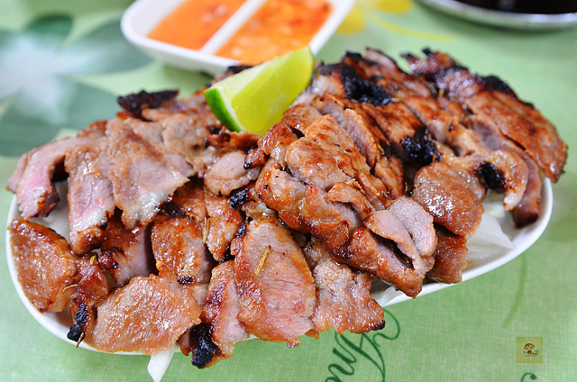 1093472941 l - 【台中西區】雲食泰風~平價美味的泰式料理餐廳推薦,餐點種類多且口味道地,打拋豬、檸檬烤豬、檸檬魚都值得一嚐