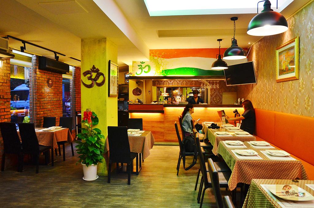 201610台中-斯里瑪哈印度料理:斯里瑪哈印度餐廳02.jpg