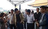 99年6月5日漢光響應節能減碳展示(售)會:為行政院副主委講解漢光產銷履歷蔬菜.jpg