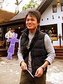 20090314~15三女一男之大吃大喝台中遊記:很不愛拍的王先生~呵~偷拍成功(′∪`艸)⌒*。