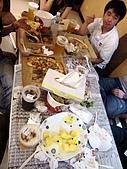 100603小雨生日:非常亂的桌上