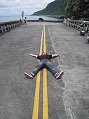 我在綠島天氣晴Day2:遠遠的金主在顧有沒有車來