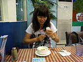 100531歐仕達:喝濃湯之連拍-擦湯匙