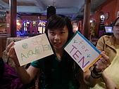 100516十元生日:十元拿著阿倫和阿珉送的卡片