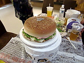 100603小雨生日:這就是阿舅和小漢堡的合體
