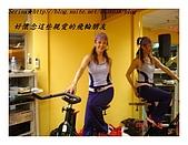 于老師要騎【鐵馬】教課囉VS健身房飛輪朋友080527上傳:教室雖不大但感覺相當溫馨