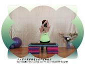 于文蕙正聲廣播電台空中運動教室【第234集】啞鈴(寶特瓶)-坐姿肱三頭肌伸展(Seated Tric:4.啞鈴(寶特瓶)-坐姿肱三頭肌伸展(Seated Triceps Dumbbell Extension ) 。