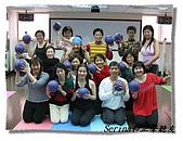 搏感情的正聲聽友瑜珈班(第一期):偶爾玩玩球瑜珈