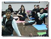 搏感情的正聲聽友瑜珈班(第一期):姿勢不錯吧