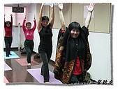 搏感情的正聲聽友瑜珈班(第一期):主持人這件衣服很美吧!