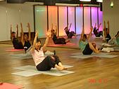 健身房同樂篇:球瑜珈腹部運動
