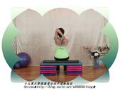 于文蕙正聲廣播電台空中運動教室【第234集】啞鈴(寶特瓶)-坐姿肱三頭肌伸展(Seated Tric:8.啞鈴(寶特瓶)-坐姿肱三頭肌伸展(Seated Triceps Dumbbell Extension ) 。