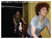 于老師要騎【鐵馬】教課囉VS健身房飛輪朋友080527上傳:小雄維尼和無敵女超人