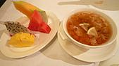 2010六福皇宮頤園北京餐廳:燕窩鮮果.jpg