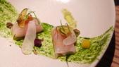 台北米其林一星-Longtail無國界料理:台北米其林一星-Longtail無國界料理-紅柑生魚片 甜菜根 干蔥 金桔.JPG