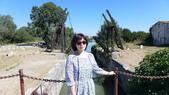 法國之旅--亞爾-嘉德水道古橋-蒙佩利爺:亞爾-梵谷名畫之曳引橋2.JPG