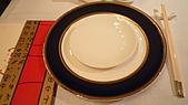 2010六福皇宮頤園北京餐廳:餐具擺設.jpg