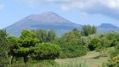 義大利之旅-羅馬GOLF PARCO DE'MEDICI喜來登 -龐貝古城-拿坡里-卡布里島:龐貝古城-維蘇威火山1.JPG