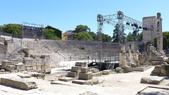 法國之旅--亞爾-嘉德水道古橋-蒙佩利爺:亞爾-古羅馬劇院1.JPG