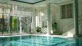 巴黎香格里拉大酒店(Shangri-La Hotel Paris)+米其林二星L''Abeille:巴黎香格里拉大酒店(Shangri-La Hotel, Paris)-泳池.JPG