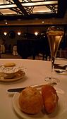 亞都麗緻巴黎廳1930:法國麵包佐ERHIRE奶油.jpg
