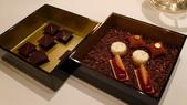 巴黎香格里拉大酒店(Shangri-La Hotel Paris)+米其林二星L''Abeille:巴黎香格里拉大酒店-L''Abeille米其林二星法式餐廳-法式巧克力及精緻小點.JPG