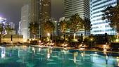 香港四季酒店(Four Seasons H.K)+米其林三星龍景軒+米其林二星CAPRICE:香港四季酒店(Four Seasons Hotel Hong Kong)-無邊際泳池5.JPG