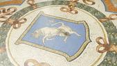 義大利之旅-米蘭-加達湖-維諾納:米蘭-艾曼紐二世拱廊購物區-幸運牛蛋蛋.JPG
