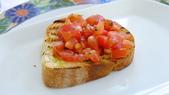 義大利之旅-卡布里島-藍洞-蘇連多-阿瑪菲海岸:阿瑪菲海岸-拉維洛-景觀餐廳-義式麵包佐番茄丁.JPG