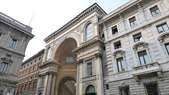 義大利之旅-米蘭-加達湖-維諾納:米蘭-艾曼紐二世拱廊購物區.JPG