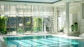 巴黎香格里拉大酒店(Shangri-La Hotel Paris)+米其林二星L''Abeille:巴黎香格里拉大酒店(Shangri-La Hotel, Paris)-泳池1.JPG