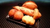 台北侯布雄法式餐廳 Robuchon Taipei:Robuchon Taipei-法式麵包.jpg