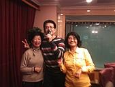 2011-大年初一 陽明山踏青&天成飯店晚宴:兩位愛唱歌的姑姑.jpg