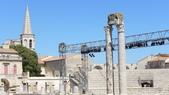 法國之旅--亞爾-嘉德水道古橋-蒙佩利爺:亞爾-古羅馬劇院.JPG