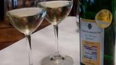 香港置地文華東方酒店-Amber米其林二星法式餐廳(2014年亞洲最佳50餐廳第四名):香港置地文華東方酒店Amber米其林二星法式餐廳-前菜酒-德國RIESLING白酒1.JPG