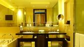 香港四季酒店(Four Seasons H.K)+米其林三星龍景軒+米其林二星CAPRICE:香港四季酒店(Four Seasons Hotel Hong Kong)-尊貴海景客房4.JPG
