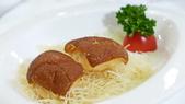 香港新同樂-米其林二星中餐廳:新同樂-米其林二星中餐廳-百花脆皮乳豬件.JPG