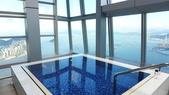 三訪香港麗思卡爾頓酒店(THE RITZ-CARLTON HONGKONG)+維多利亞港:香港麗思卡爾頓酒店-港景泳池3.JPG