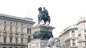 義大利之旅-米蘭-加達湖-維諾納:米蘭-艾曼紐二世雕像.JPG