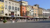 義大利之旅-維諾納-威尼斯:維諾納-布拉廣場1.JPG