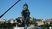 德國捷克奧地利之旅:17.泰瑞莎女皇雕像.jpg