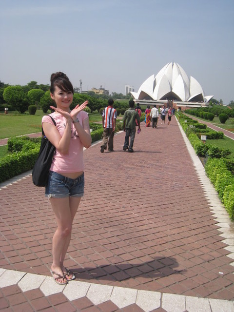 九月抓飛印度蓮花寺:巴哈夷教之靈曦堂,因獨特的造型酷似蓮花,又稱蓮花寺