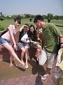 九月抓飛印度蓮花寺:話說赤腳走在莊嚴的蓮花寺有淨化心靈的神奇功用!